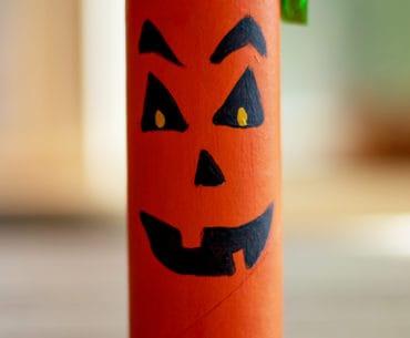 paper roll pumpkin