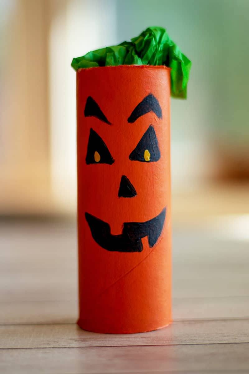 paper roll pumpkin