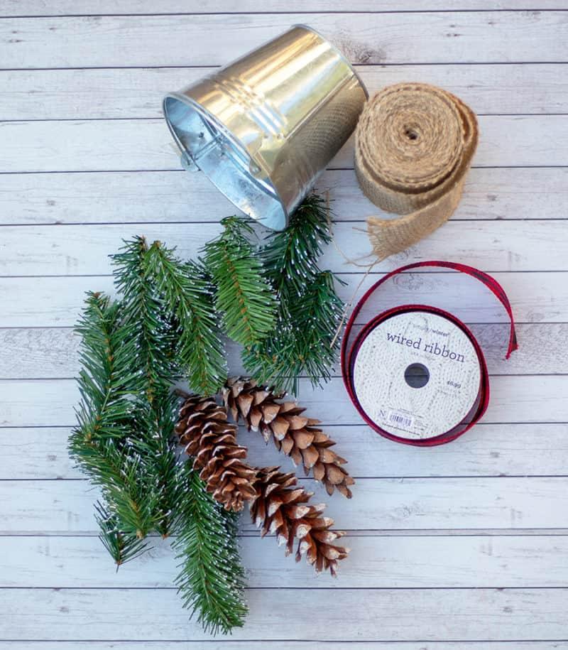 pinecone centerpiece supplies
